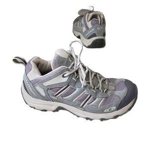 SALOMON Hikjng Shoes size 8